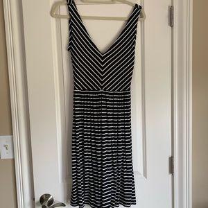 Loft size M, black and white knit dress